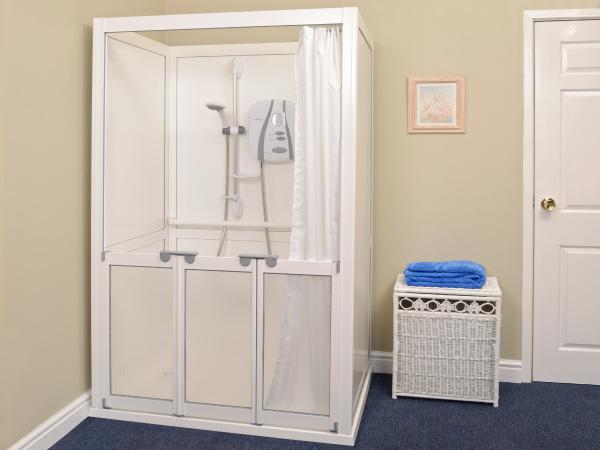 2 & 3 Sided Shower Enclosures